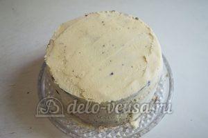 Шоколадный торт с черникой: Торт смазать кремом