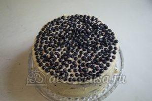 Шоколадный торт с черникой: Торт украсить