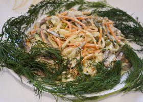 Салат с языком и морковью по-корейски