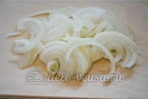 Салат с языком и морковью по-корейски: Нарезать лук