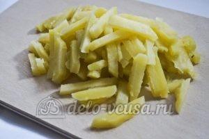 Салат с языком и морковью по-корейски: Картошку порезать соломкой