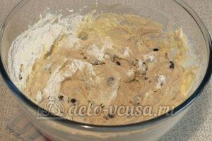 Сырники со смородиной: Перемешать массу
