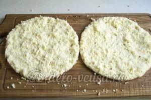Торт Фрезье: Разрезать бисквит