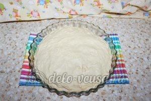 Дрожжевой пирог с малиной: Накрыть тестом