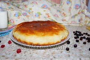 Дрожжевой пирог с малиной: Выложить пирог на блюдо