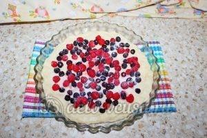 Дрожжевой пирог с малиной: Посыпать сахаром