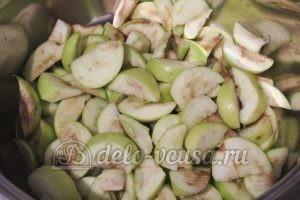 Кисель из яблок: Яблоки порезать