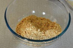 Сладкая колбаска с вареной сгущенкой: Часть печенья поломать