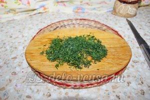 Щи из квашеной капусты в мультиварке: Измельчить укроп
