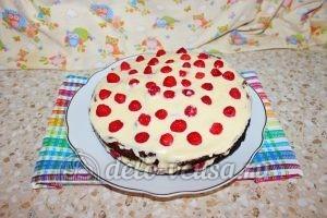 Шоколадный торт с малиной: Торт готов