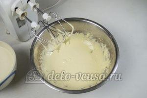 Сливочное мороженое: Взбить желтки с сахаром