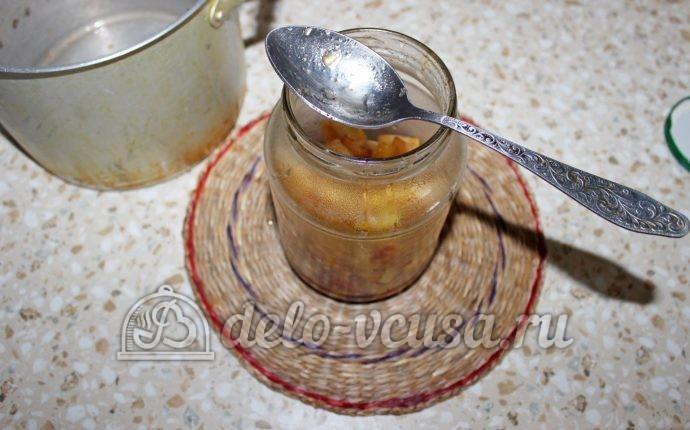 Заготовка из яблок для пирогов: Кладем в банку