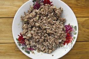Блинчики с куриными желудками: Добавляем соль и перец
