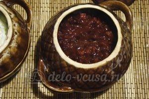 Борщ в горшочке: Добавляем зажарку и мясной бульон