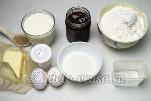 Дрожжевые булочки с джемом: Ингредиенты