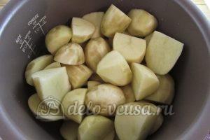 Молодая картошка в мультиварке: Порезать картошку