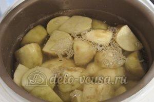 Молодая картошка в мультиварке: Залить водой картошку