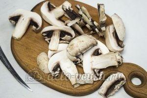 Пицца Фунги: Режем и обжариваем грибы