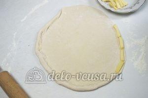 Пицца Фунги: Раскатываем тесто и формируем сырный бортик