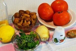 Салат с опятами и помидорами: Ингредиенты