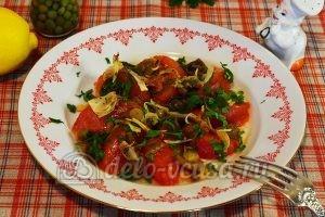 Салат с опятами и помидорами