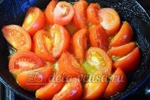 Салат с опятами и помидорами: Снять шкурки