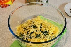 Салат из редьки с курицей: Сыр натереть