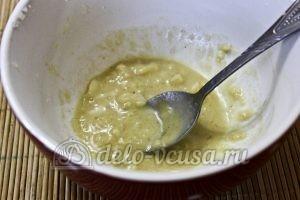Салат с тунцом и пекинской капустой: Добавить горчицу и лимон