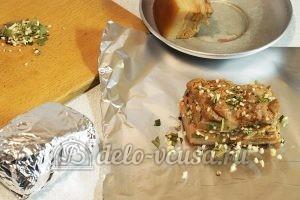 Сало в луковой шелухе: Завернуть в фольгу и убрать в холодильник