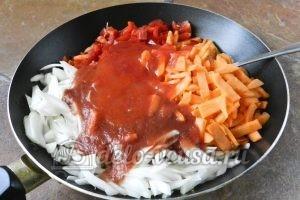 Суп харчо из говядины: Добавляем пюре из слив и томатную пасту