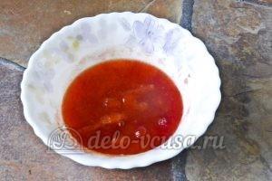 Суп харчо из говядины: Натираем сливы на терке