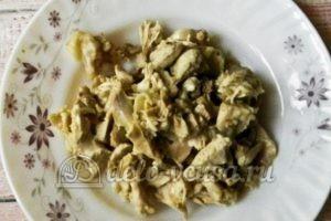 Куриный суп с перловкой: Варим картофель, отделяем мясо от костей