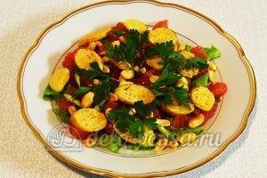 Салат с грейпфрутом: Промываем, обсушиваем и добавляем в салат петрушку
