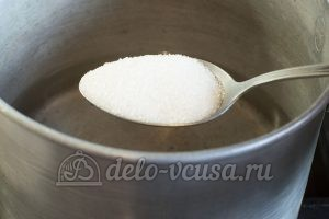 Маринованный перец в масле с чесноком: Воду довести до кипения