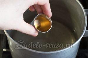 Маринованный перец в масле с чесноком: Добавить уксус