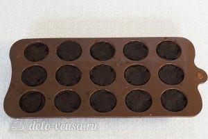 Домашний шоколад: Переложить в формочки