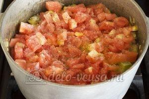 Овощное рагу с кабачками и картошкой: Добавляем соль перец