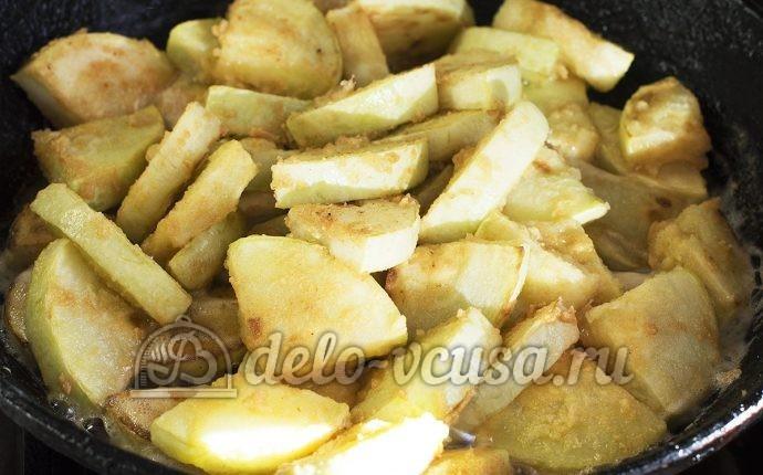 Кабачки жареные в сметане: Все обжаренные кабачки на сковороде