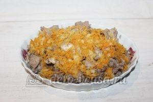 Тушеный кролик в духовке: Добавить овощи
