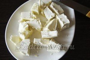 Открытый пирог со смородиной: Рубим масло