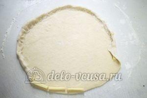 Домашняя пицца с фаршем: Делаем сырный край пиццы