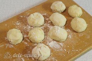 Творожные пончики: Тесто скатать в шарики