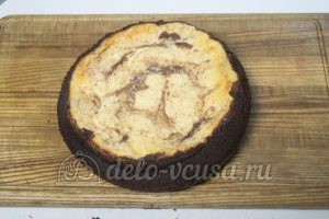 Шоколадная ватрушка: Остудить пирог