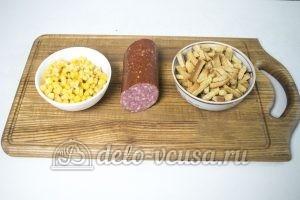 Студенческий салат с сухариками: Ингредиенты
