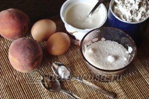 Сметанный пирог с персиками: Ингредиенты