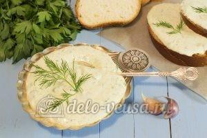 Творог с зеленью и чесноком: Сервировать по вкусу