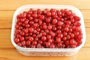 Варенье из красной смородины: Заморозить ягоды
