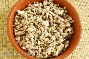 Бендерики с грибами: Измельчить грибы