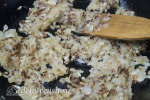 Яйца фаршированные луком: Лук пожарить