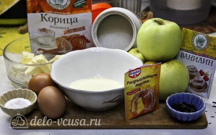 Яблочный пудинг с манкой: Ингредиенты